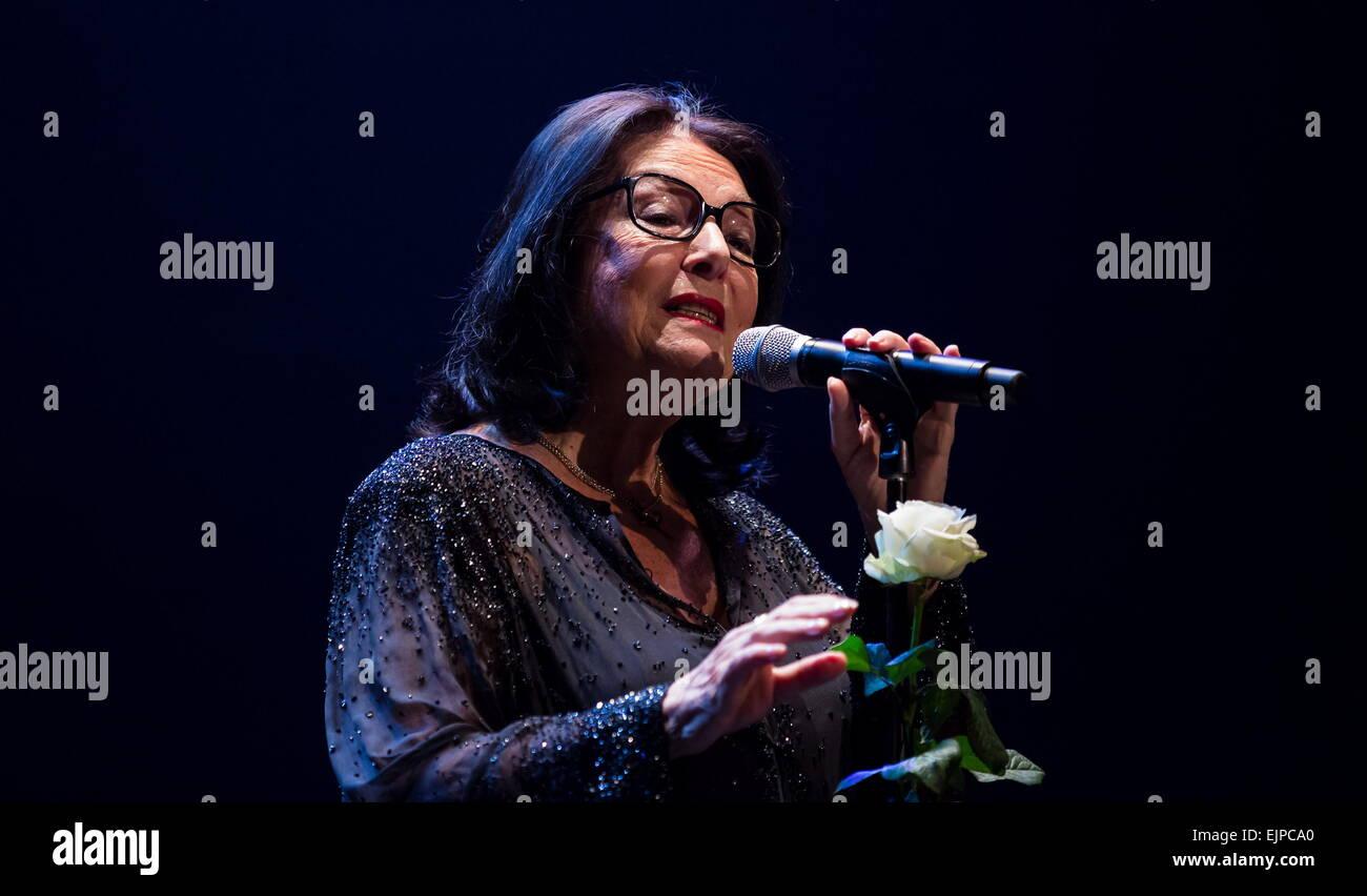 Greek Singer Nana Mouskouri Performs Live At The Royal Albert Hall Stock Photo Alamy