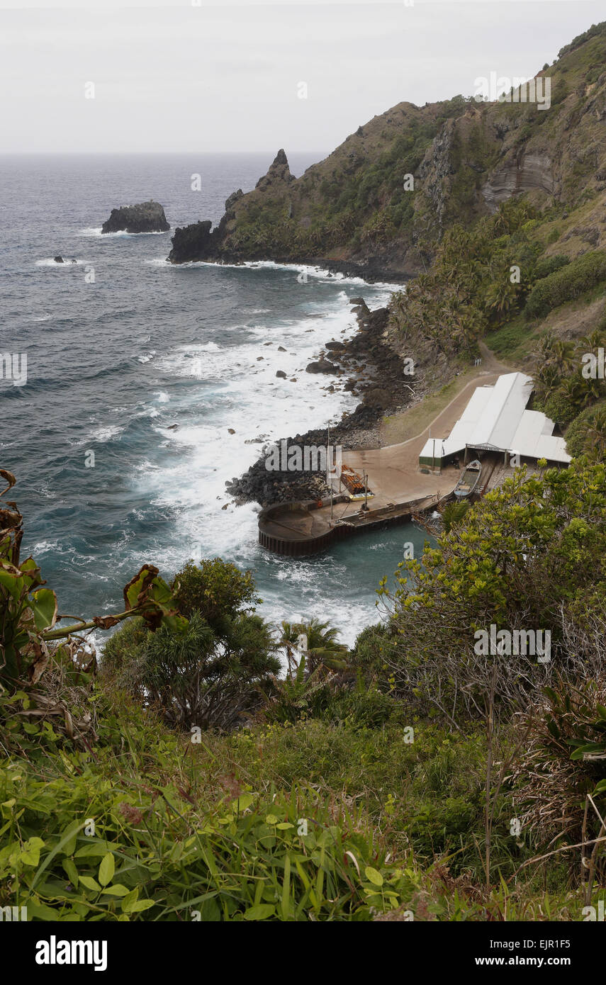 View of coastline, where HMS Bounty was burnt and sunk by mutineers, Bounty Bay, Pitcairn, Pitcairn Islands, South - Stock Image