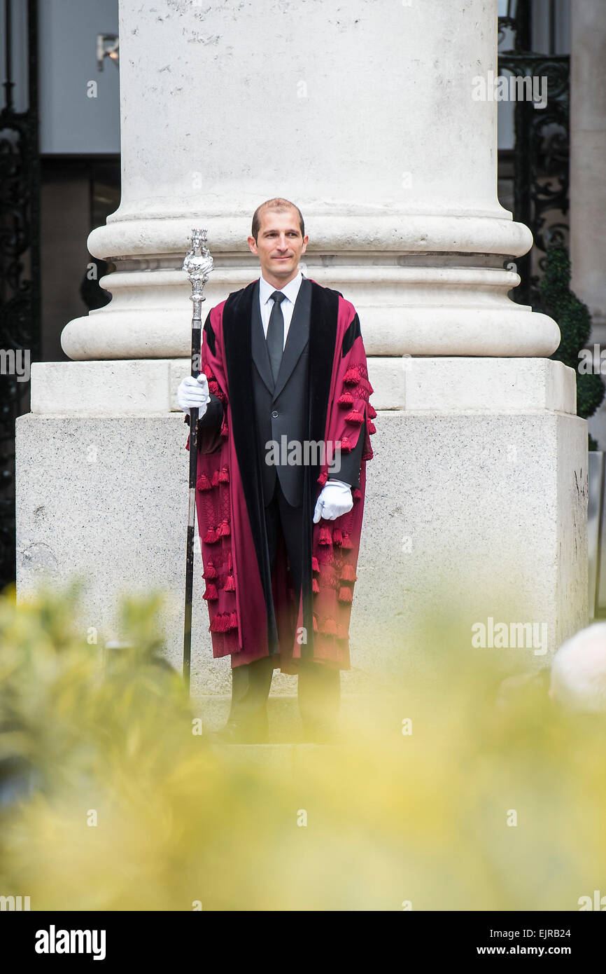 Royal Proclamation: summoning of a new Parliament following the dissolution by the Common Cryer and Serjeant-at - Stock Image