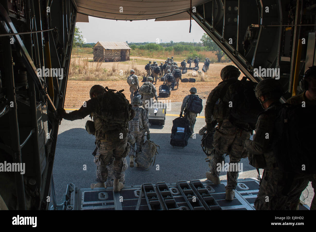U.S. Army Soldiers with Combined Joint Task Force-Horn of Africa's East Africa Response Force EARF depart an - Stock Image