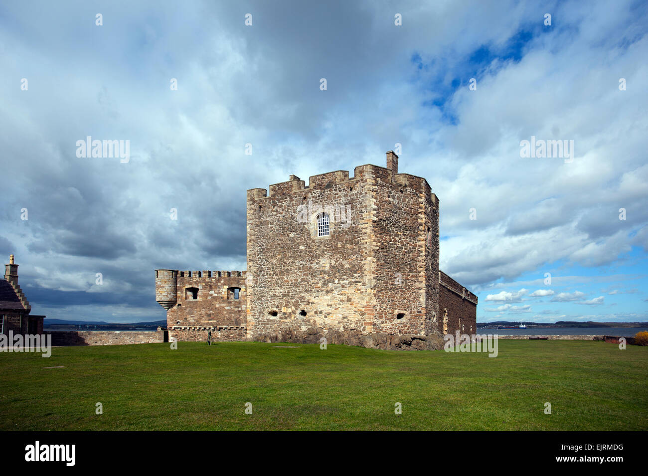 Scotland. Blackness Castle on the south bank of the Firth of Forth to the west of Edinburgh. March 2015 Stock Photo