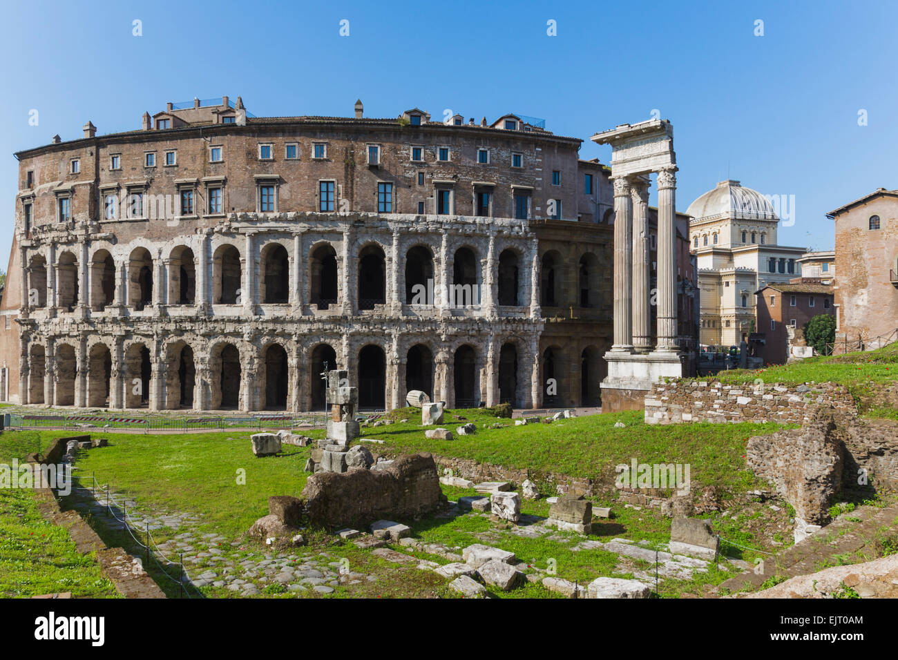 Rome, Italy.  The theatre of Marcellus, left, and the temple of Apollo, right. - Stock Image