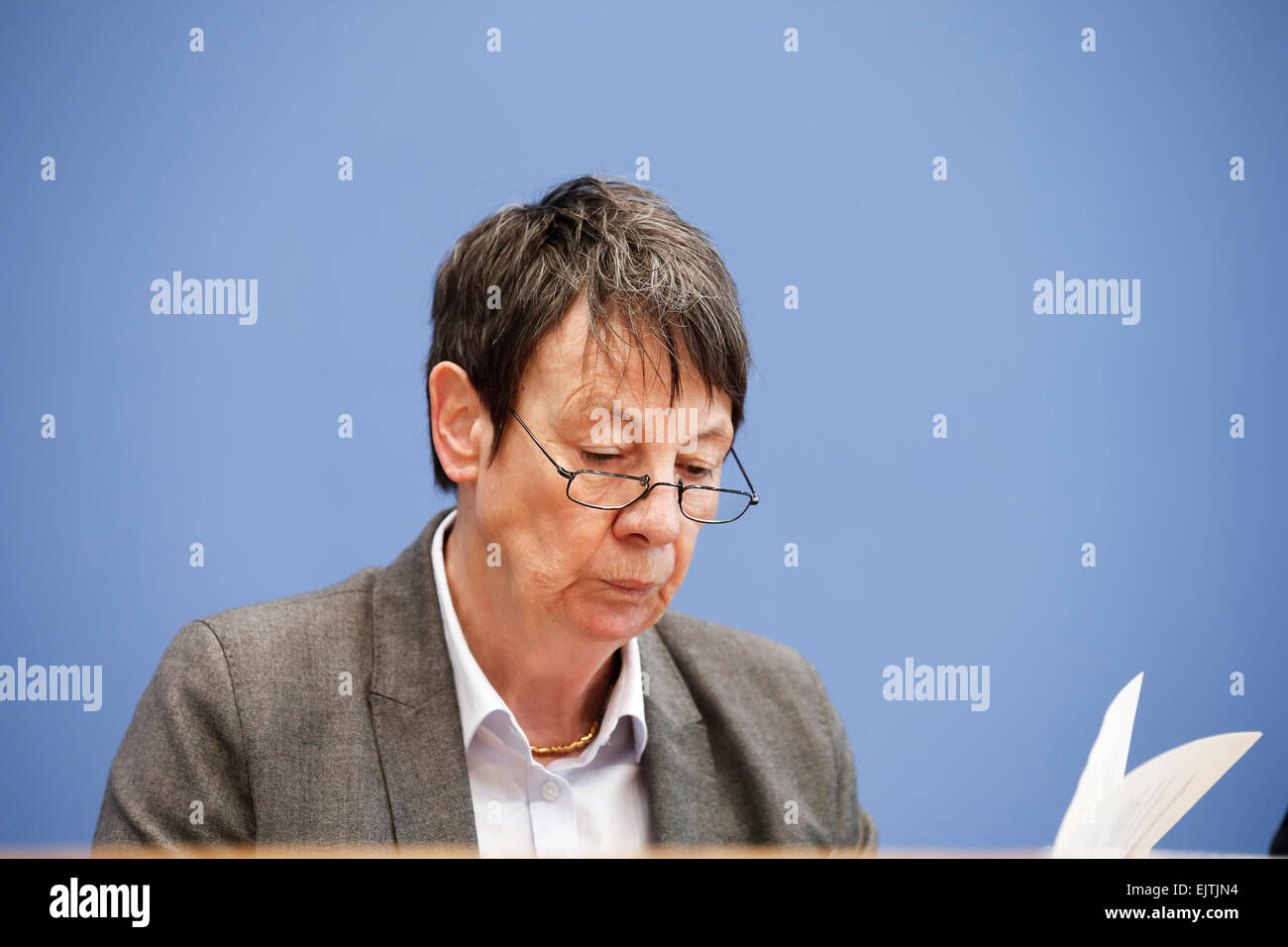 Berlin, Germany. 01st Apr, 2015. Barbara Hendricks (SPD), Minister of Environment and Building, on the presentation - Stock Image