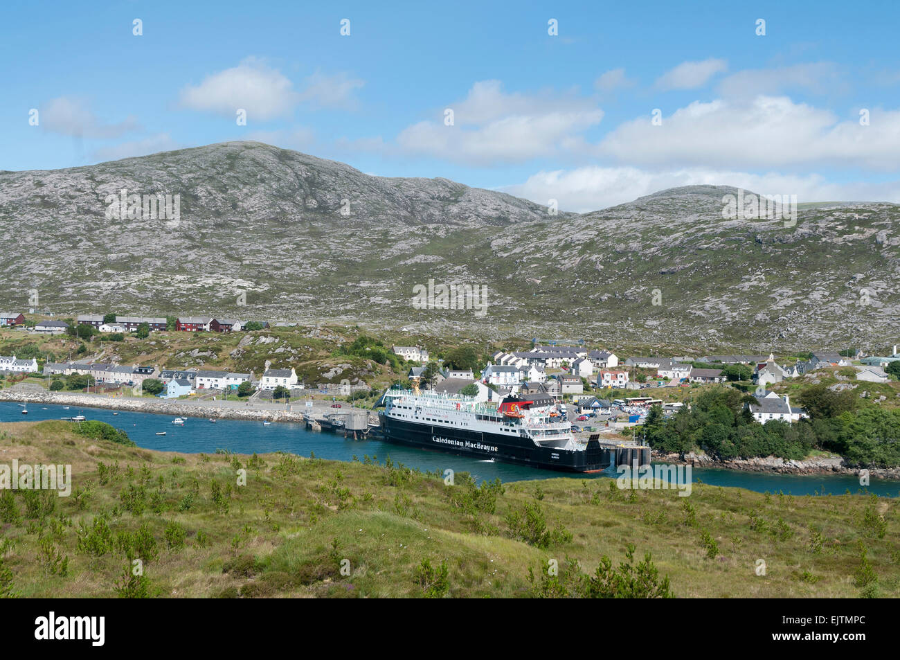 tarbert uig  ferry port mv hebrides sailing - Stock Image