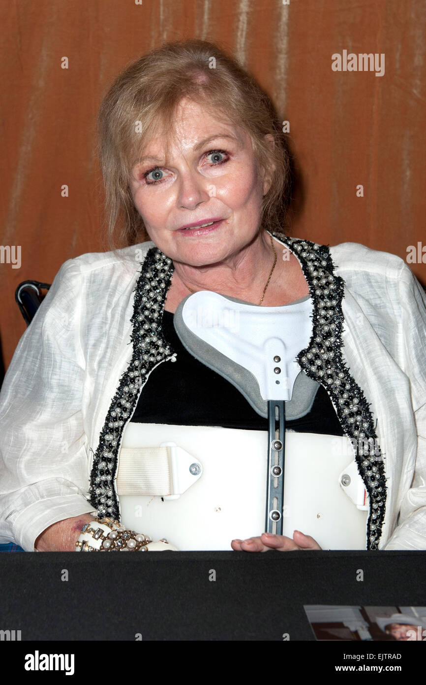 Valerie Perrine diamonds are forever
