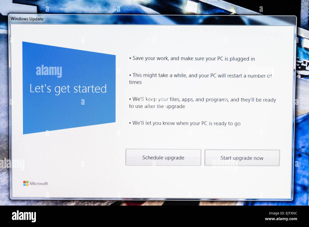 Installing Windows 10.. - Stock Image