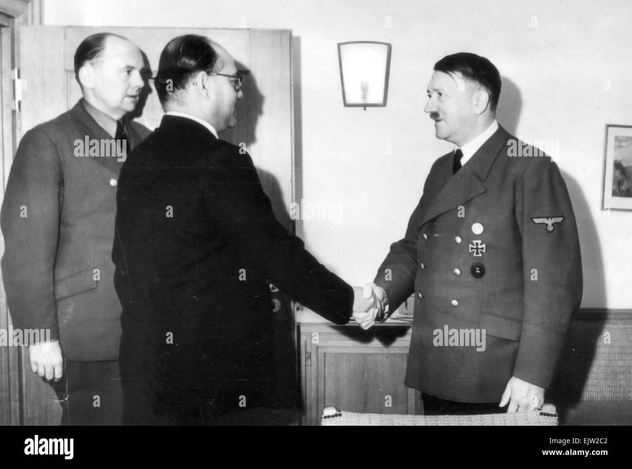 Indian nationalist leader Subhash Chandra Bose and Adolf Hitler, Berlin, Germany, May 1942 - Stock Image