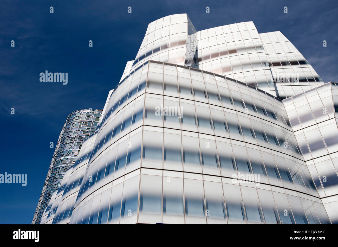 IAC BUILDING (©FRANK GEHRY 2007) WEST SIDE HIGHWAY CHELSEA MANHATTAN NEW YORK CITY USA - Stock Image