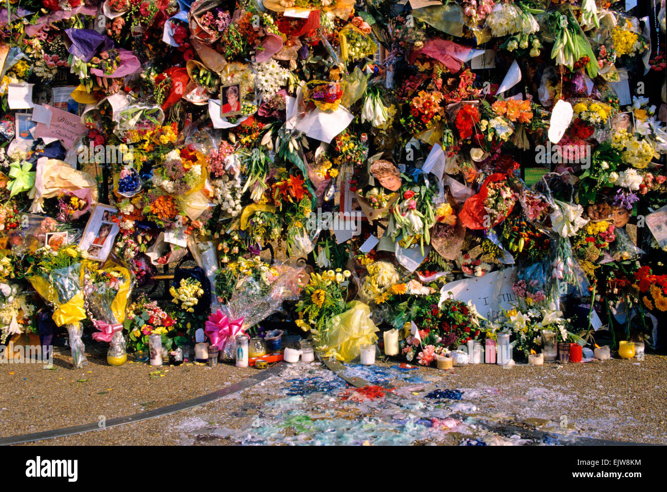 Floral Tributes to Princess Diana Outside Kensington Palace on the Second Anniversary of her death, Kensington Palace, - Stock Image