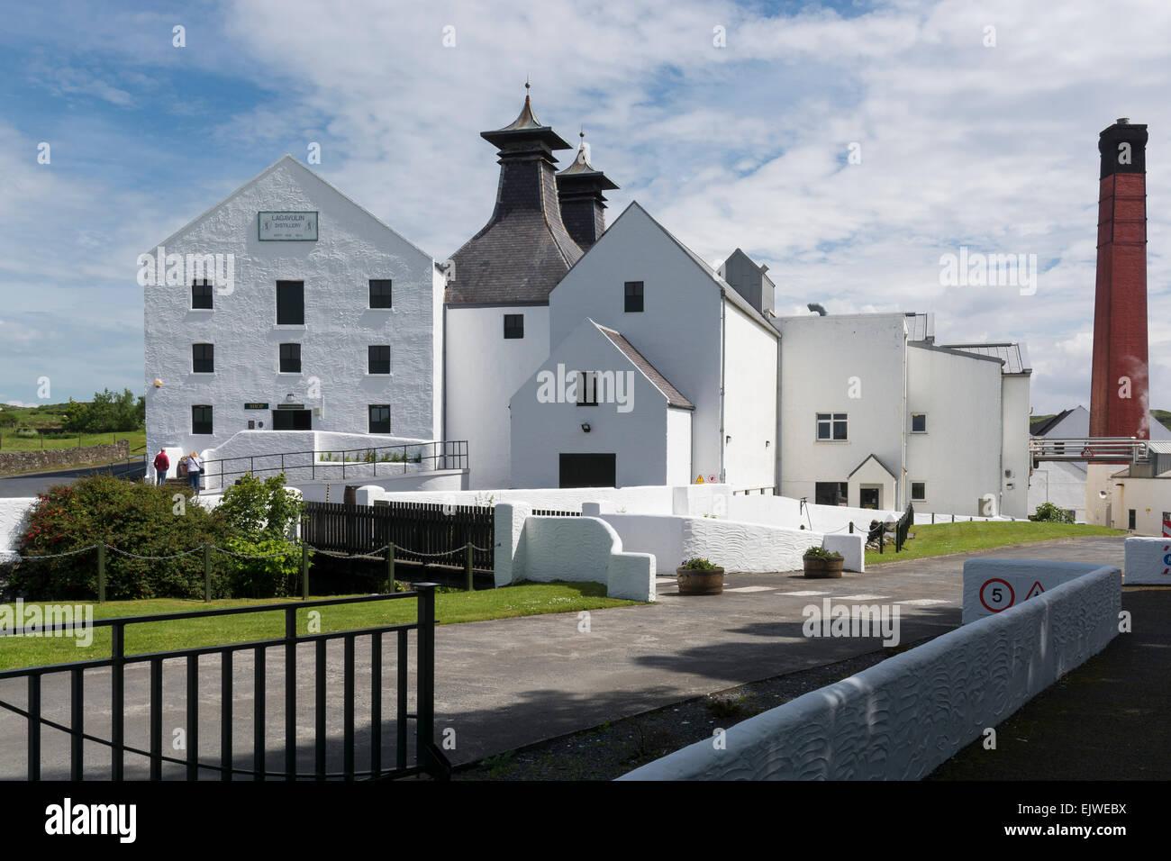 lagavulin distillery isle of islay - Stock Image