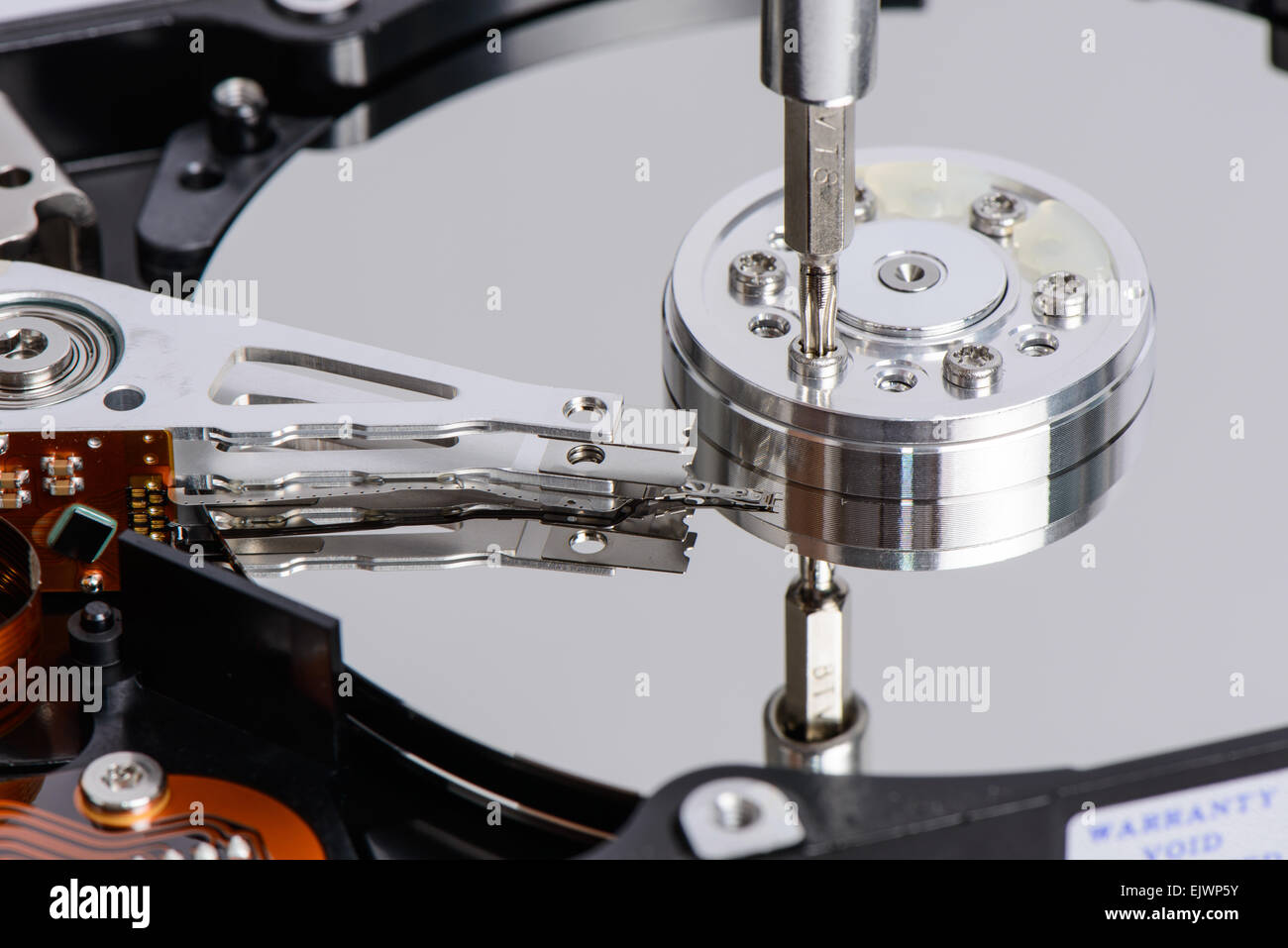 how to disassemble a hard drive