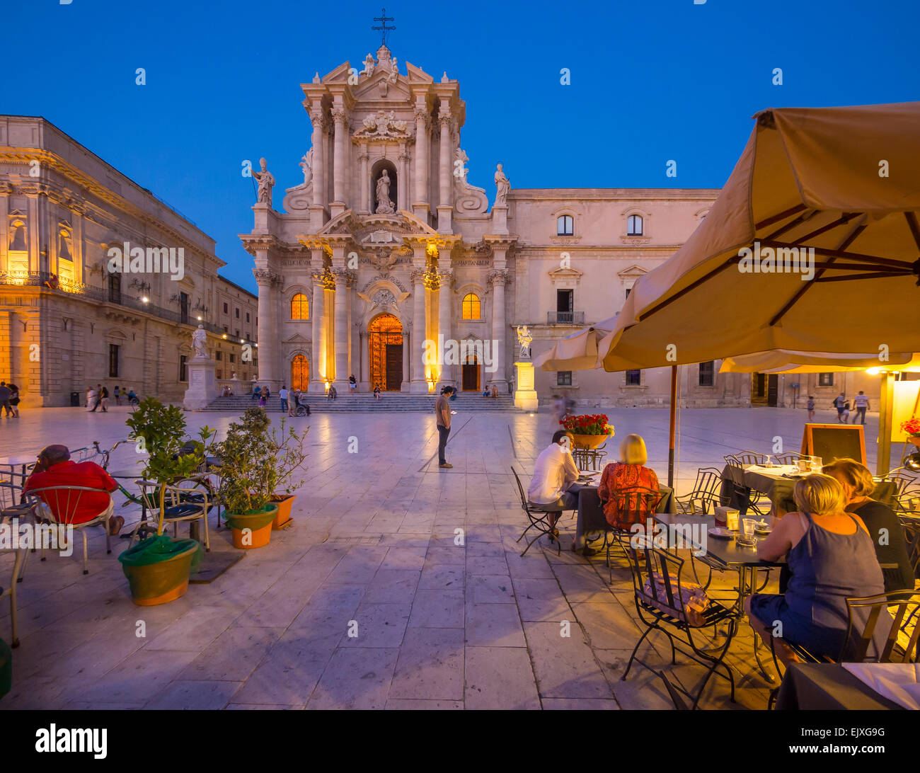 Italy, Sicily, Siracusa, cathedral at blue hour - Stock Image