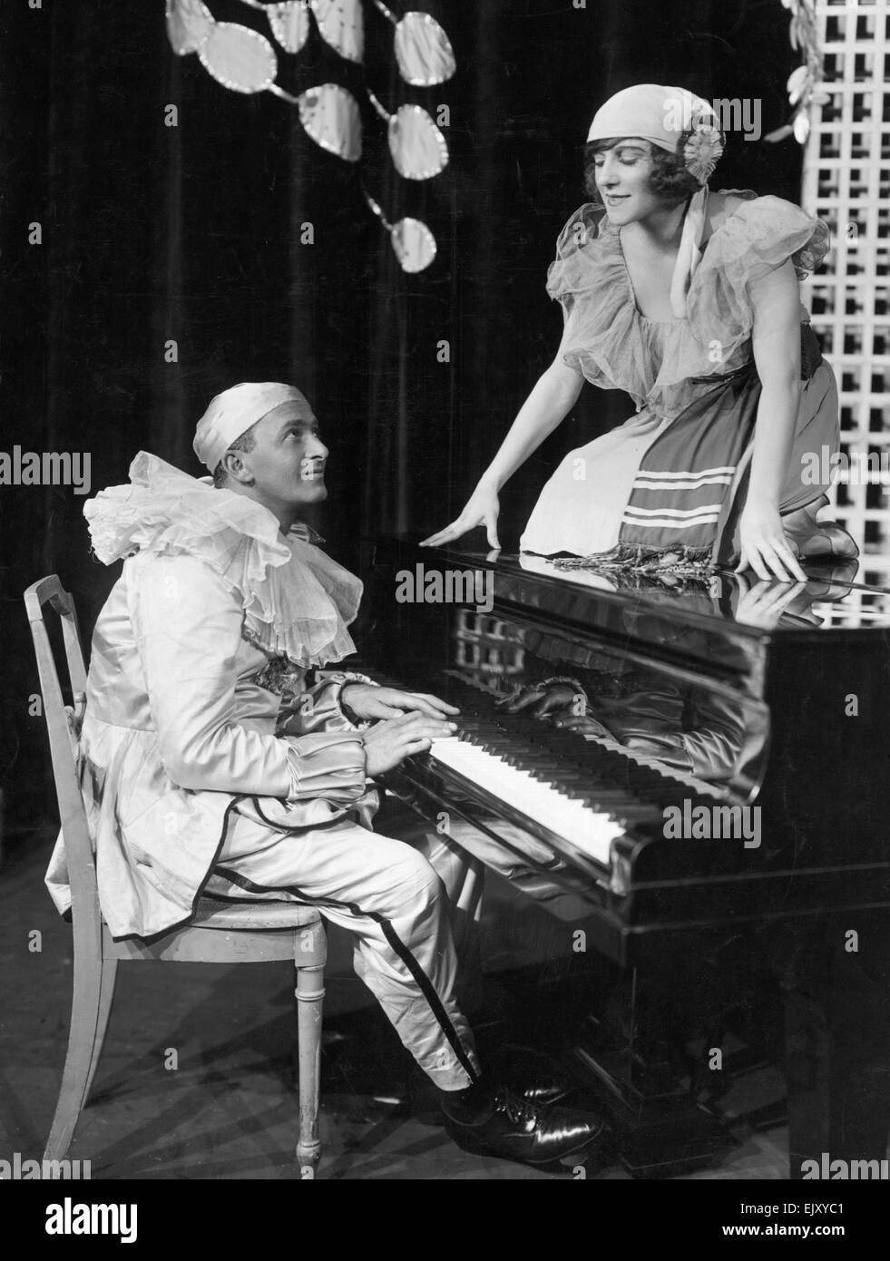 Scene from the new Co-Optimists programme Fidelity at the palace Theatre. 2 September 1921. - Stock Image