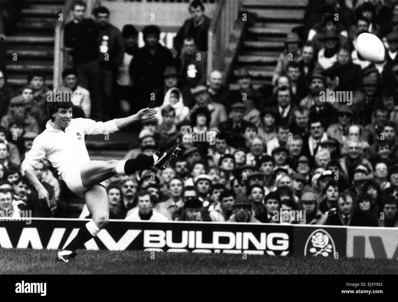 England 21 v Wales 18 at Twickenham. Rob Andrew kicks England to victory scoring all of the points with his boot. - Stock Image