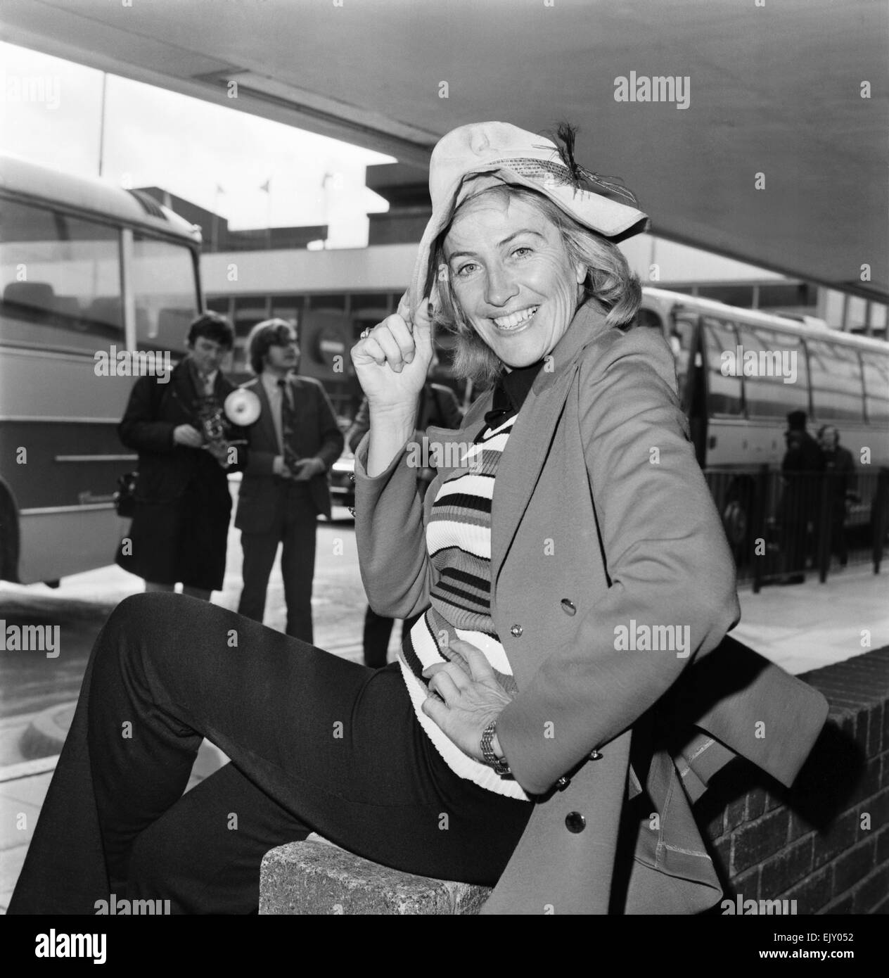 Maggie Fitzgibbon flew in fresh from a screen honeymoon with Harry Secombe. She has been making a film in Australia - Stock Image
