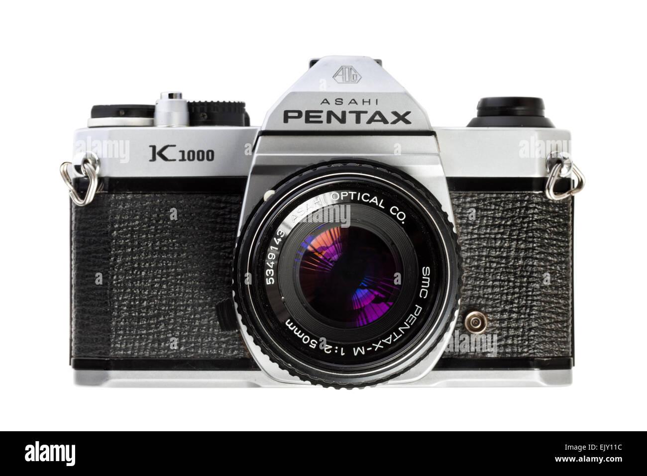 Vintage late 1970's Asahi Pentax K1000 35mm SLR film camera with Pentax-M 50mm f/2 SMC lens. - Stock Image