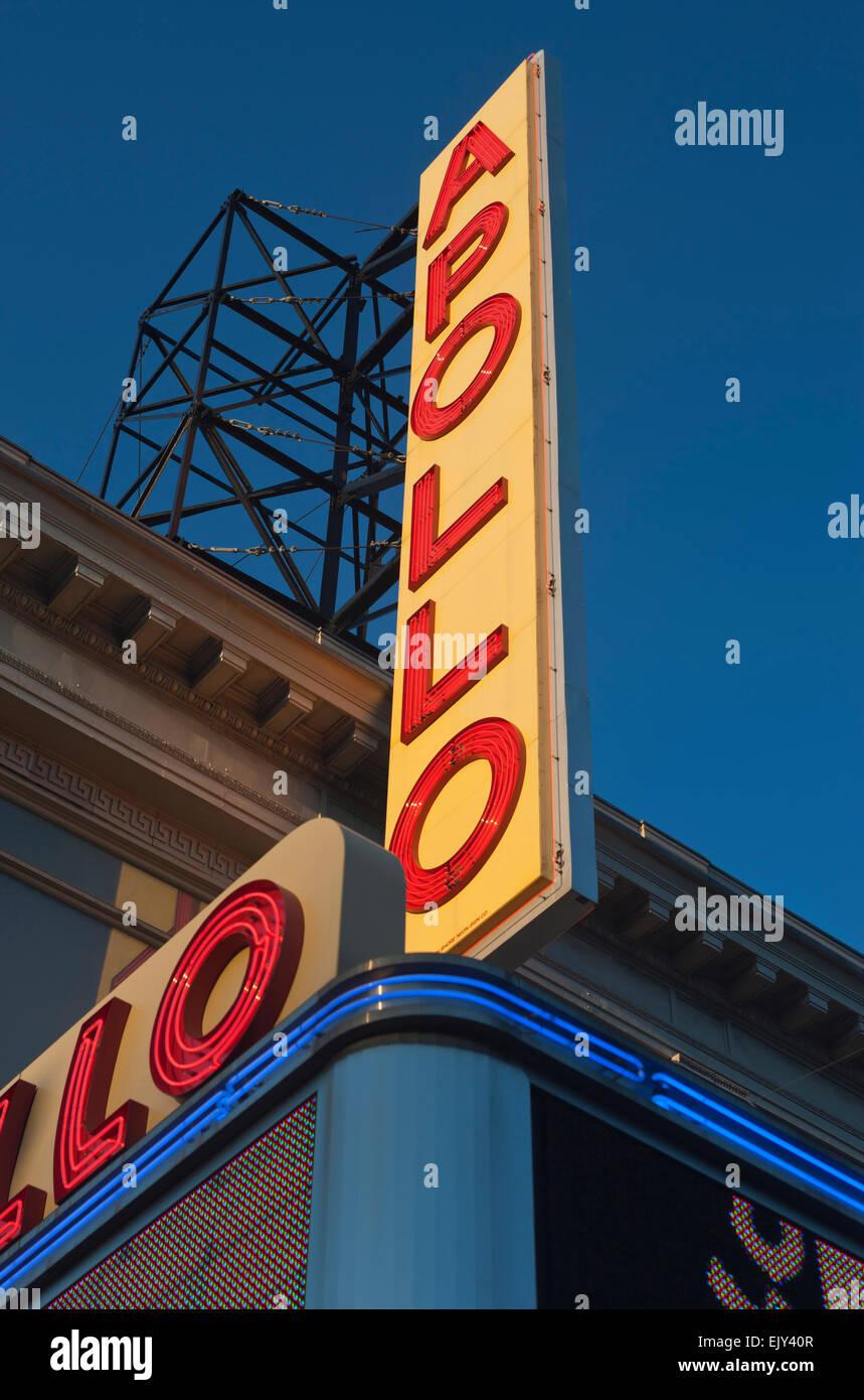 APOLLO THEATER SIGN ONE HUNDRED AND TWENTY FIFTH STREET HARLEM MANHATTAN NEW YORK CITY USA - Stock Image