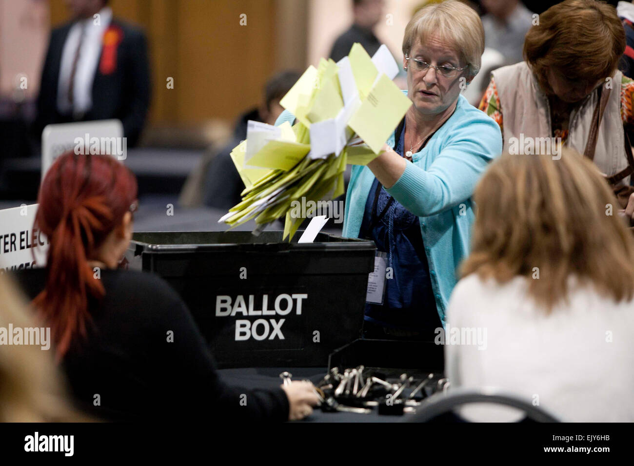 shift picture by Chris Bull  NEWS   3/5/12 Local Election 2012 . City centre count at Manchester Central Convention - Stock Image