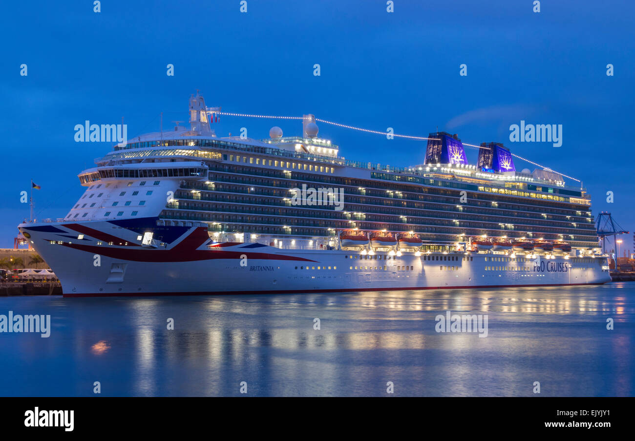Las Palmas, Gran Canaria, Spain. 03rd Apr, 2015. P&O Cruises flagship, Britannia, making her first visit to - Stock Image