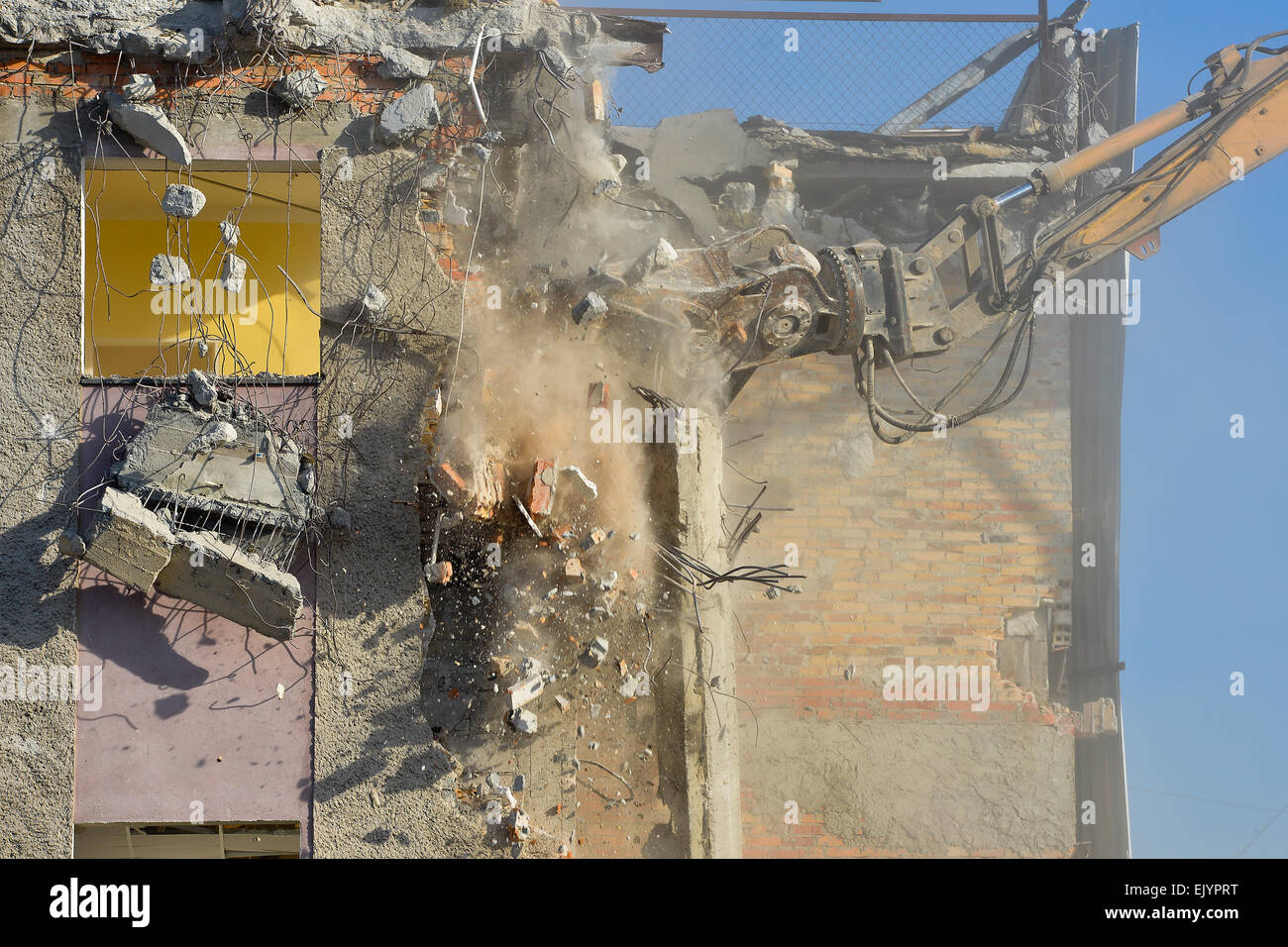 Dismantling of a building - Stock Image