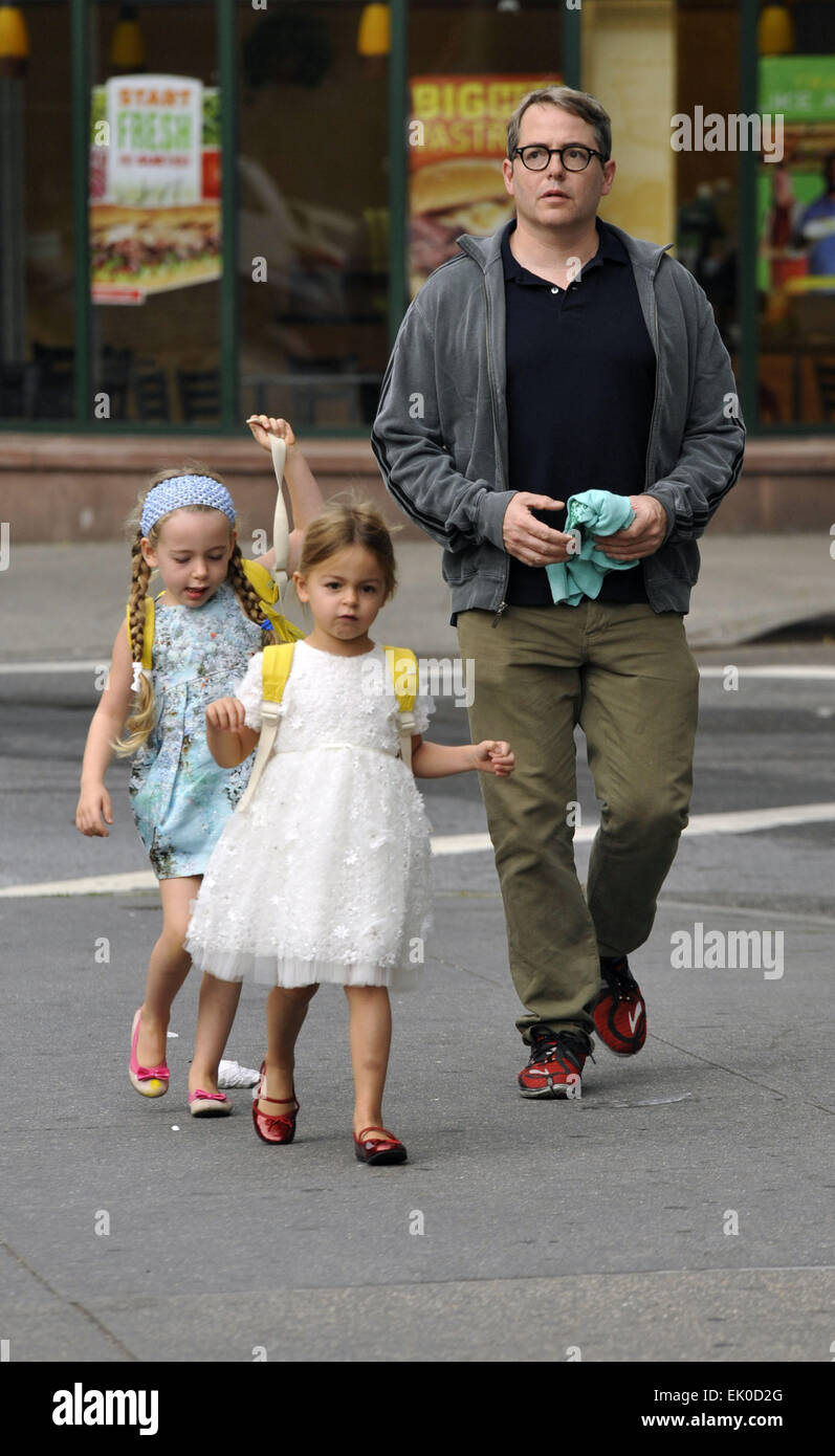 Matthew Broderick prend ses filles jumelles Marion et