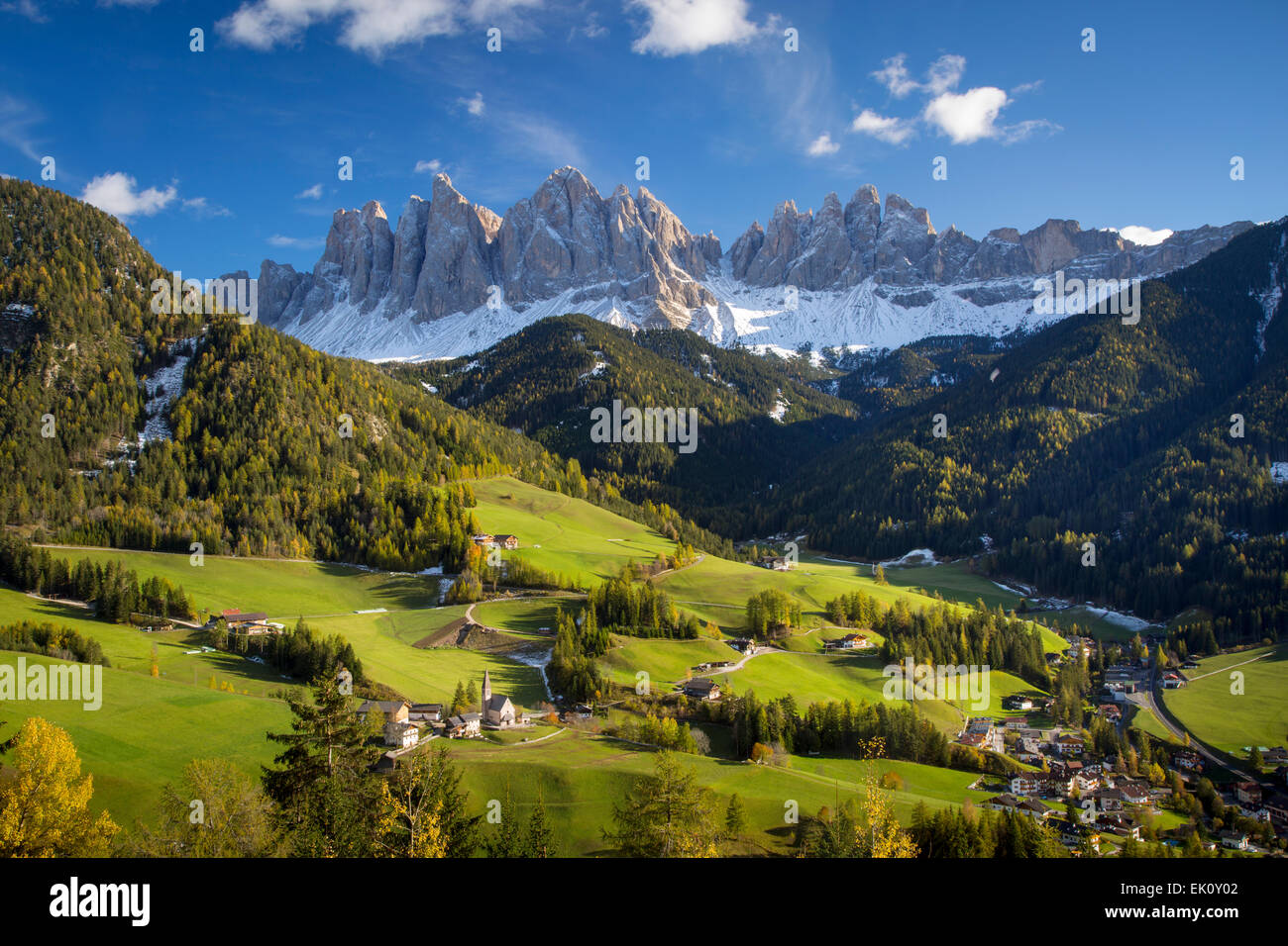 Autumn afternoon over Val di Funes, Santa Maddelena and the Geisler-Spitzen, Dolomites, Trentino-Alto-Adige, Italy - Stock Image