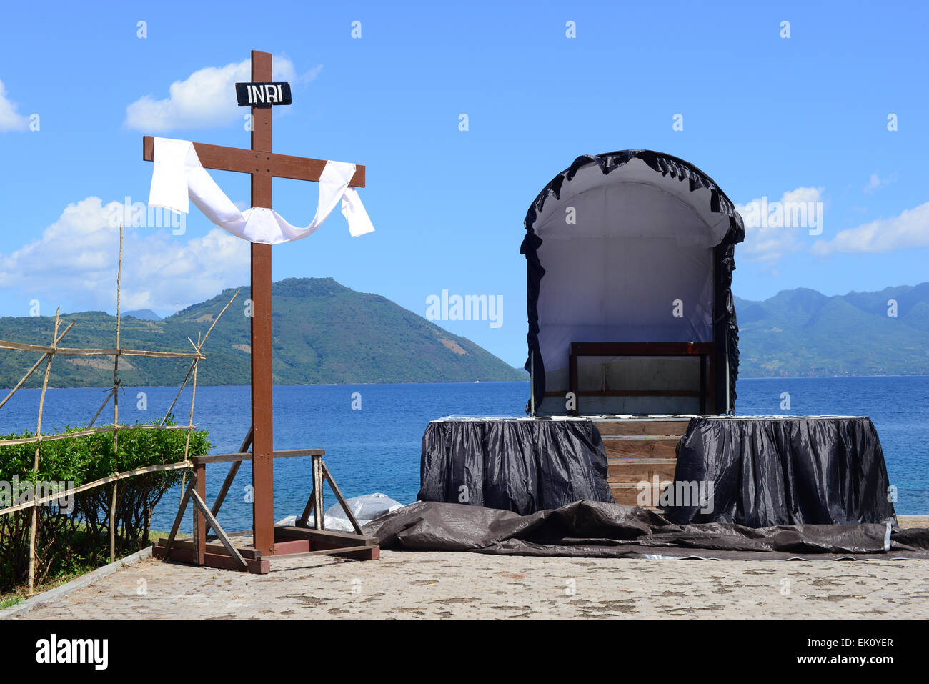 Larantuka, Indonesia. 3rd April, 2015. One of the  temporary altars in Via Dolorosa procession, a part of Good Friday - Stock Image