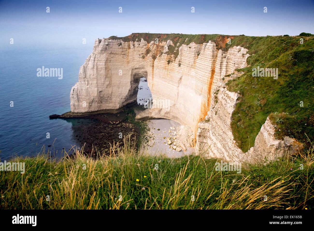 Falaise d'aval, sea cliff, Étretat, Côte d'Albatre, Haute-Normandie, Normandy, France, Europe - Stock Image