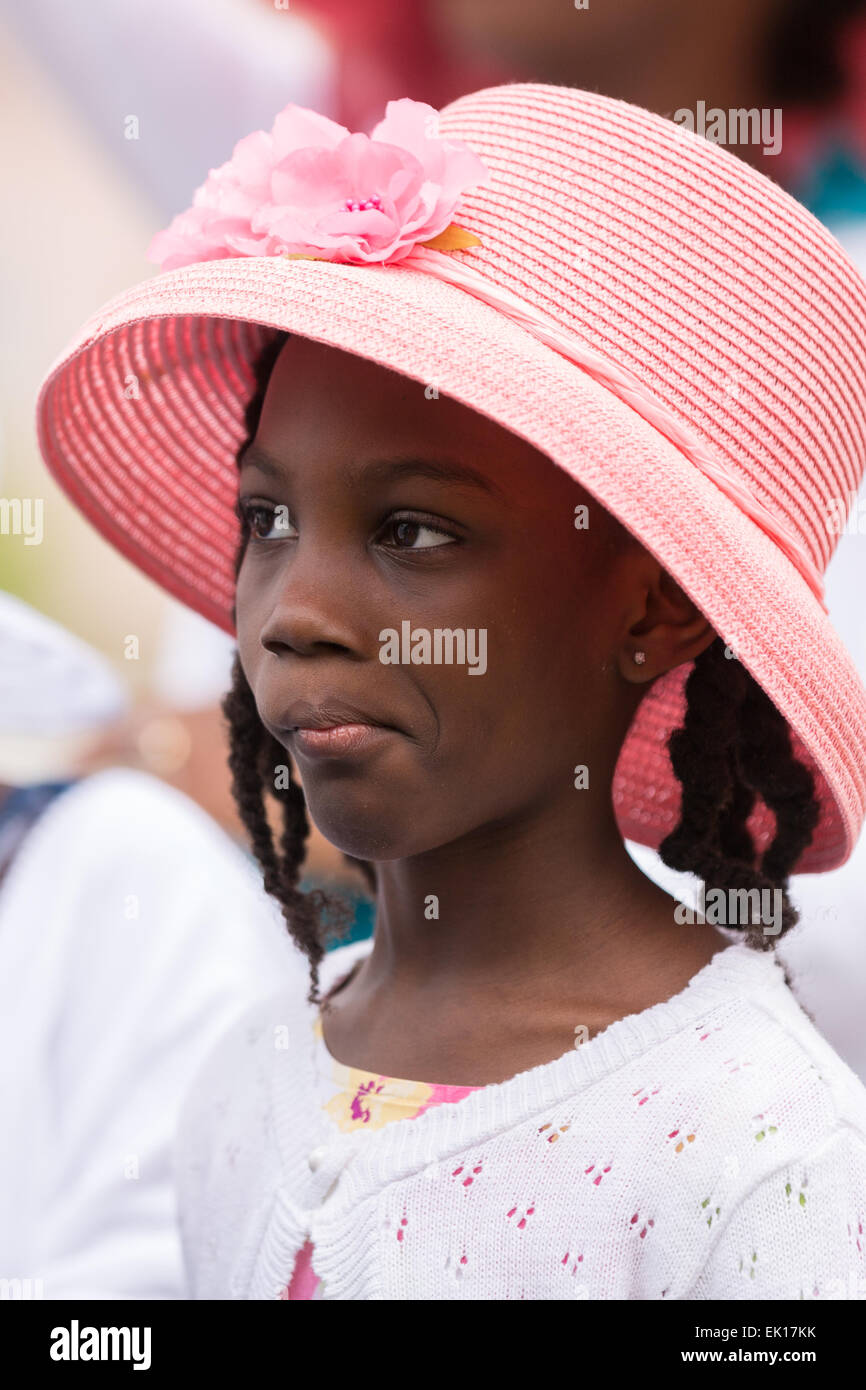 Charleston, South Carolina, USA. 04th Apr, 2015. A young girl in her Easter bonet during the annual Hat Ladies Easter - Stock Image