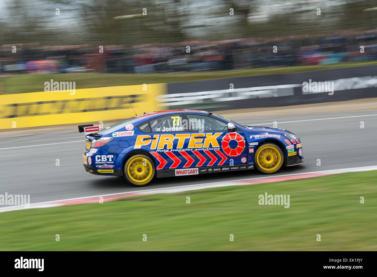 Brands Hatch, Fawkham, Longfield, UK. 5th April, 2015. Andrew Jordan and MG 888 Racing MG 6GT drives during the - Stock Image