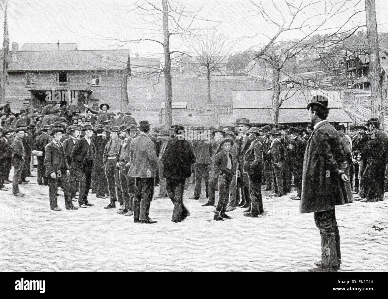 Dr. Betts, 'The Cowboy Preacher,' is seen here inciting the miners to attack Fort Anderson, a Confederate - Stock Image