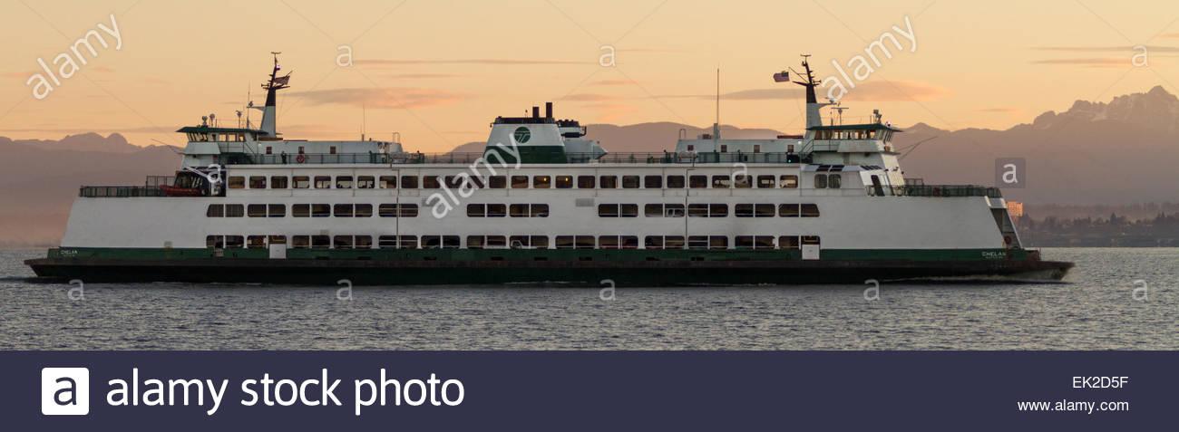 View of MV Chelan sailing at dusk - usa - washington - seattle - Stock Image