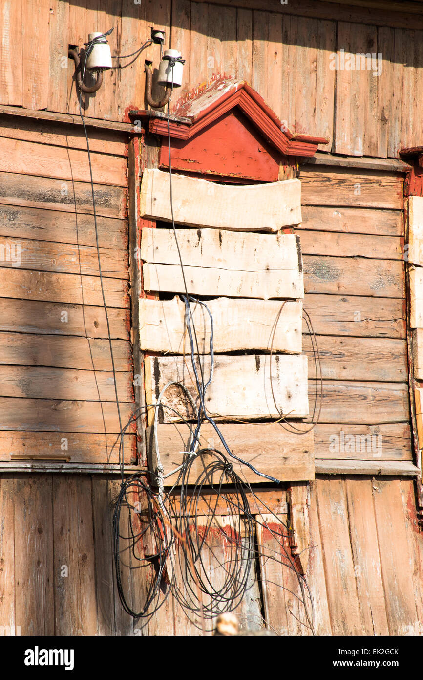 dangling wires stock photos dangling wires stock images alamy rh alamy com Old Farmhouse Interior wiring old house with plaster walls
