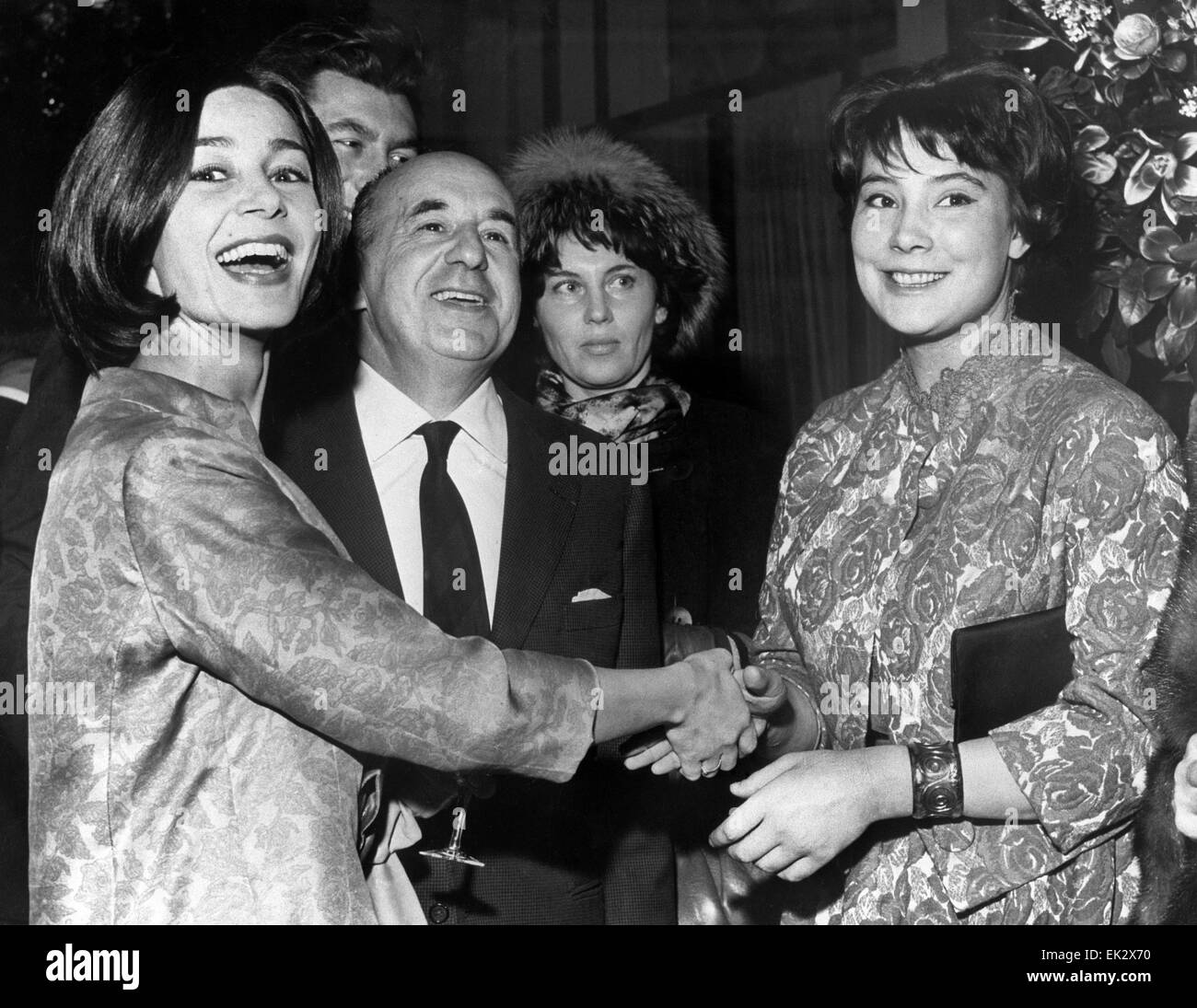 France paris french actress emmanuelle riva l and soviet actress france paris french actress emmanuelle riva l and soviet actress tatyana samoilova greet each other reproduction m4hsunfo
