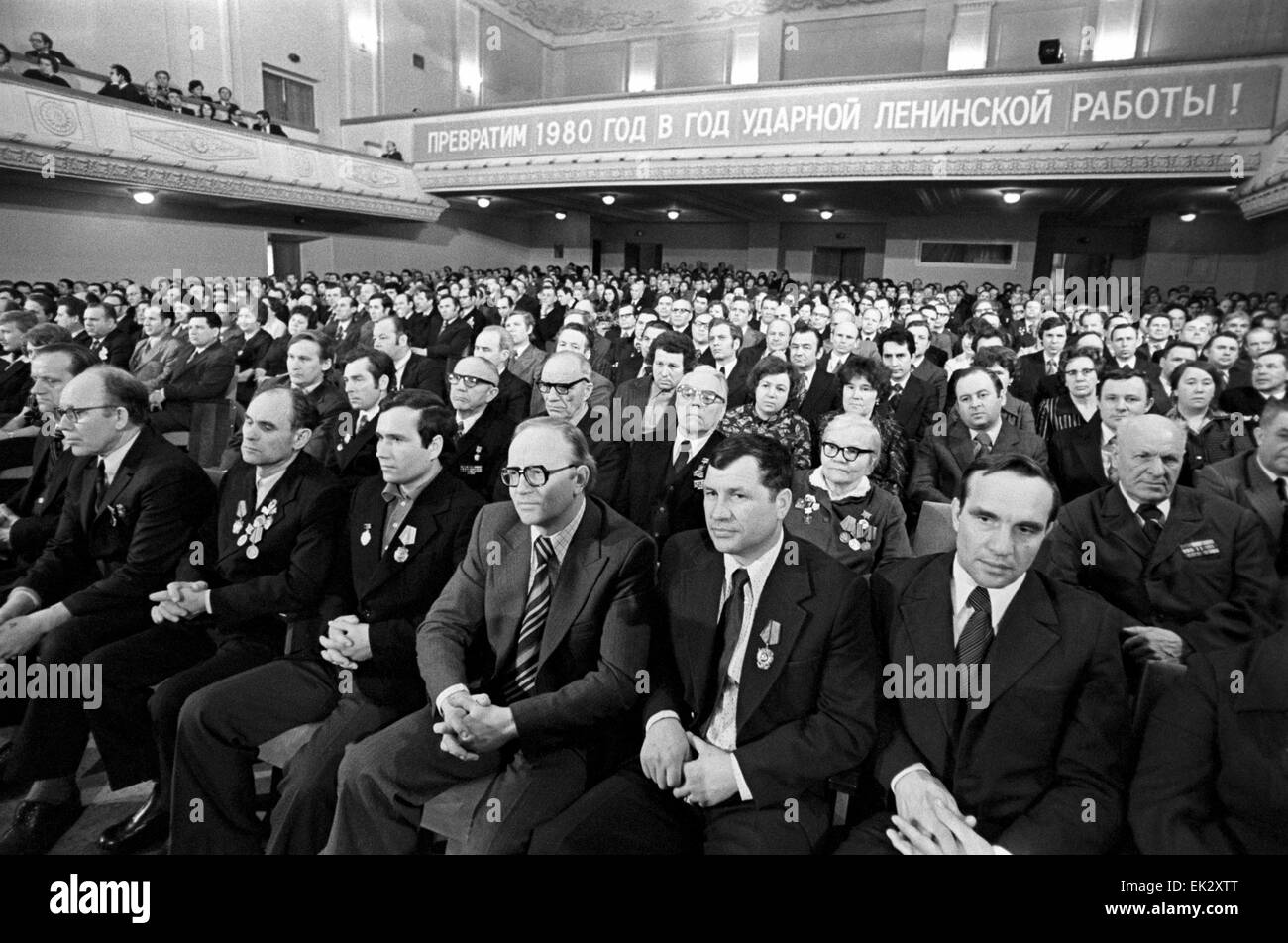 USSR. Gorky. Candidate to Deputies of the Supreme Soviet of the USSR Yuri Andropov meets with the electorate. In - Stock Image