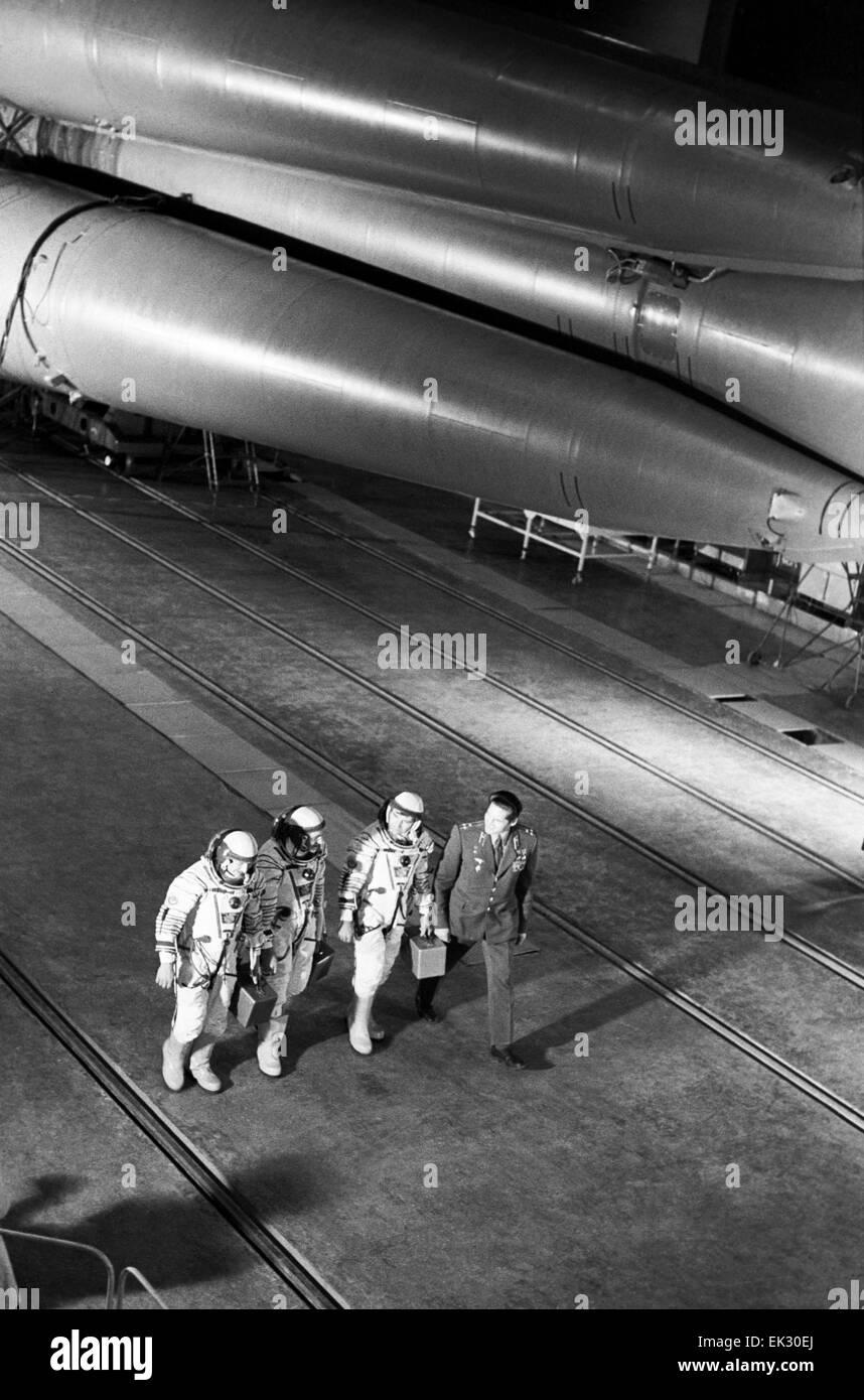 Baikonur Cosmodrome. Kazakh SSR. USSR. Crew members of 'Soyuz T-3' spaceship L-R: Commander Leonid Kizim, - Stock Image