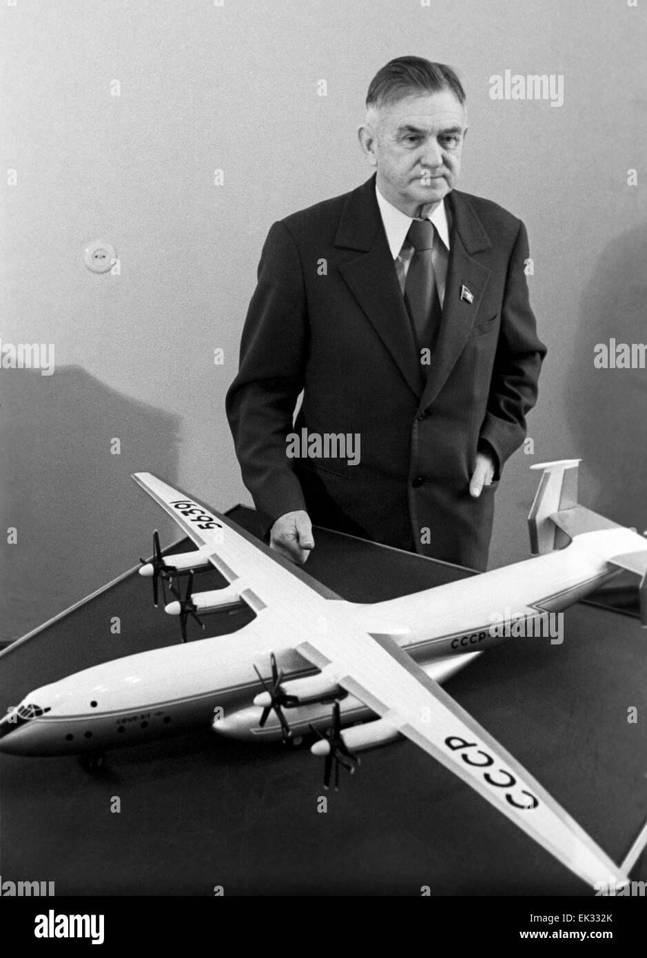 Kiev  Ukrainian SSR  USSR  Aircraft designer Oleg Antonov