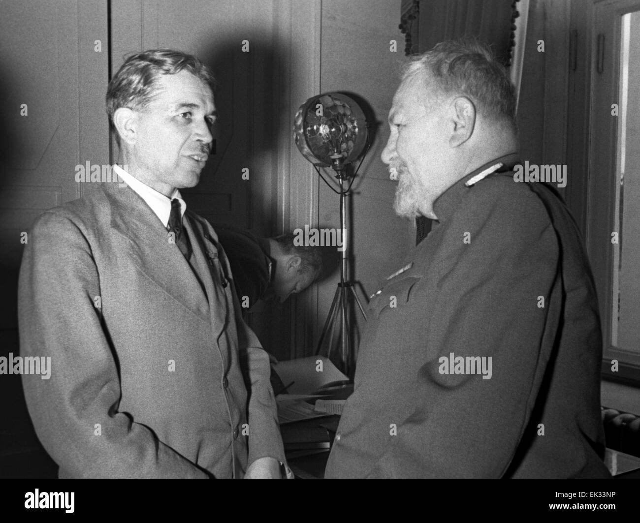 Moscow. USSR. Academicians Sergei Vavilov L and Vladimir Obraztsov during a break at the session of the USSR Academy - Stock Image