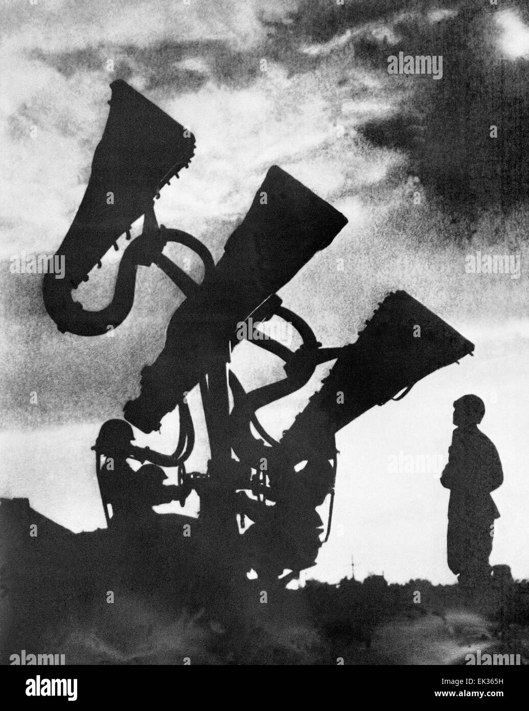 Moscow. USSR. Soldiers of the Anti-aircraft defense troops setting up a sound localization mechanism. - Stock Image