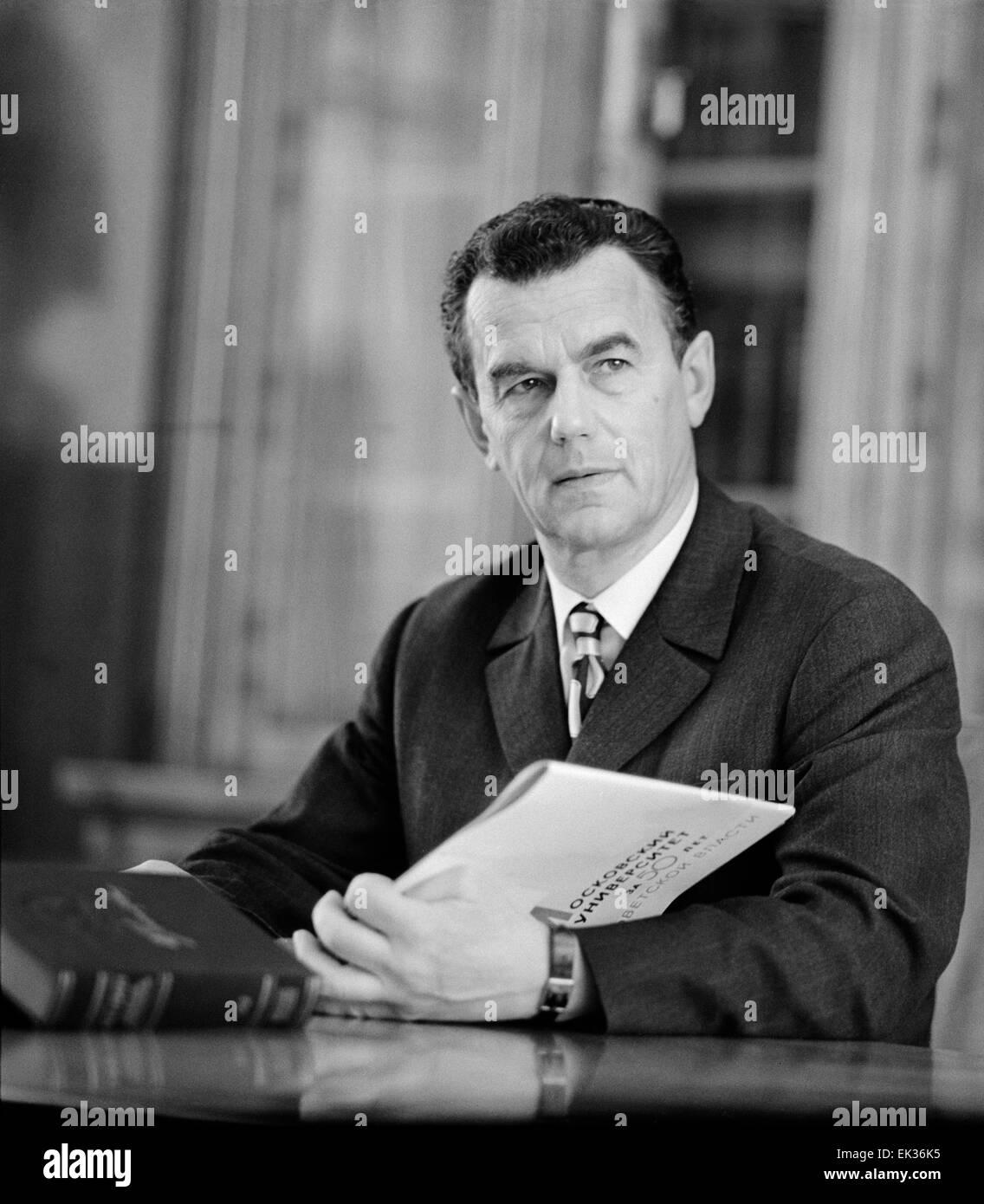 ITAR-TASS: USSR, MOSCOW. Rector of Lomonosov Moscow State University Rem Khokhlov. - Stock Image