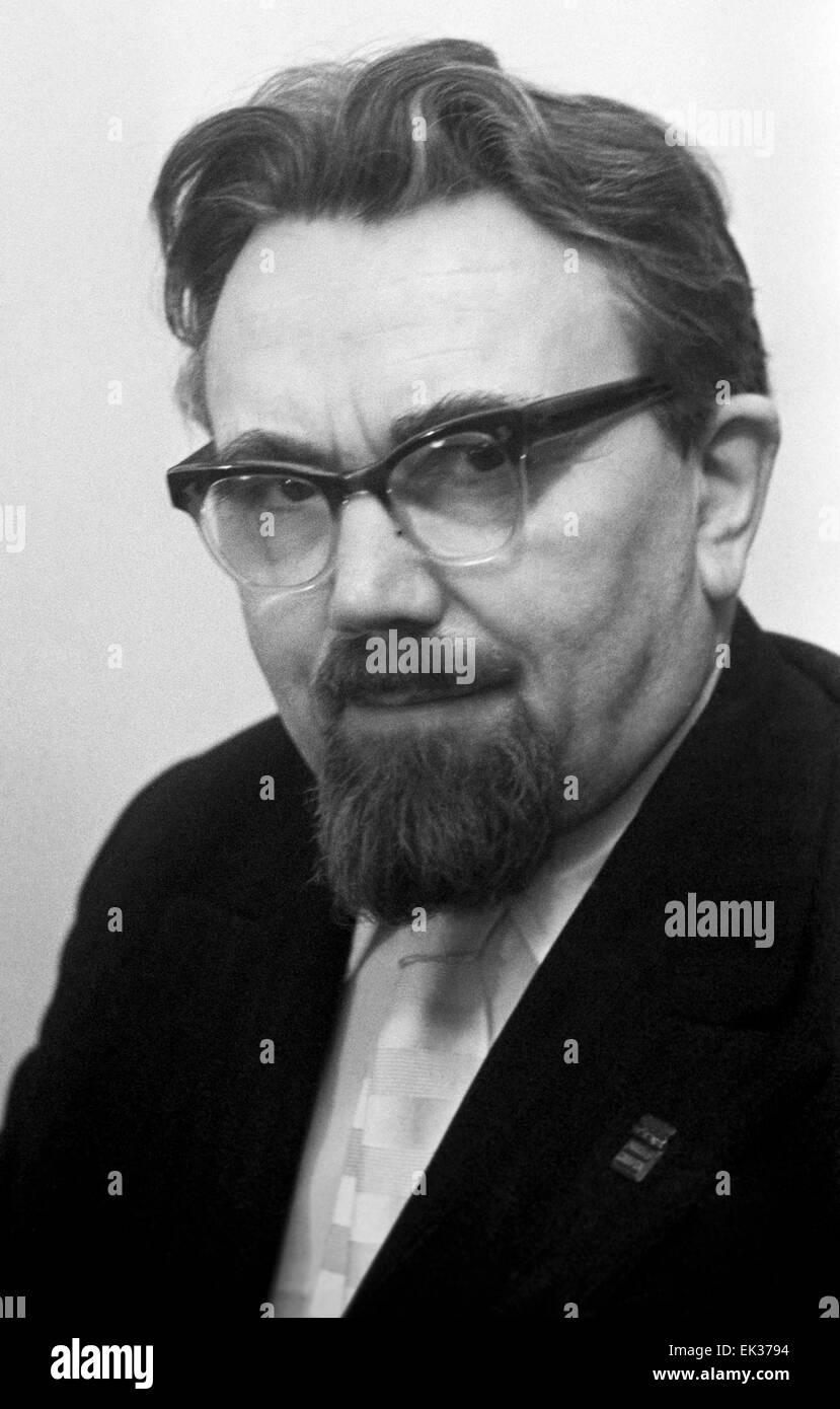 ITAR-TASS: USSR, MOSCOW. Popular Soviet science fiction writer and composer of chess endgame studies Alexander Kazantsev. - Stock Image