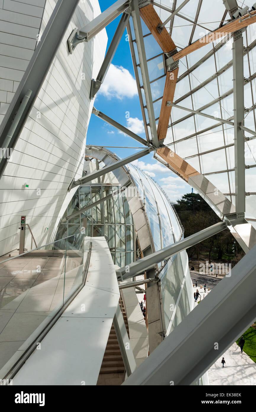 France, Paris, exterior view of the Fondation Louis Vuitton Stock Photo