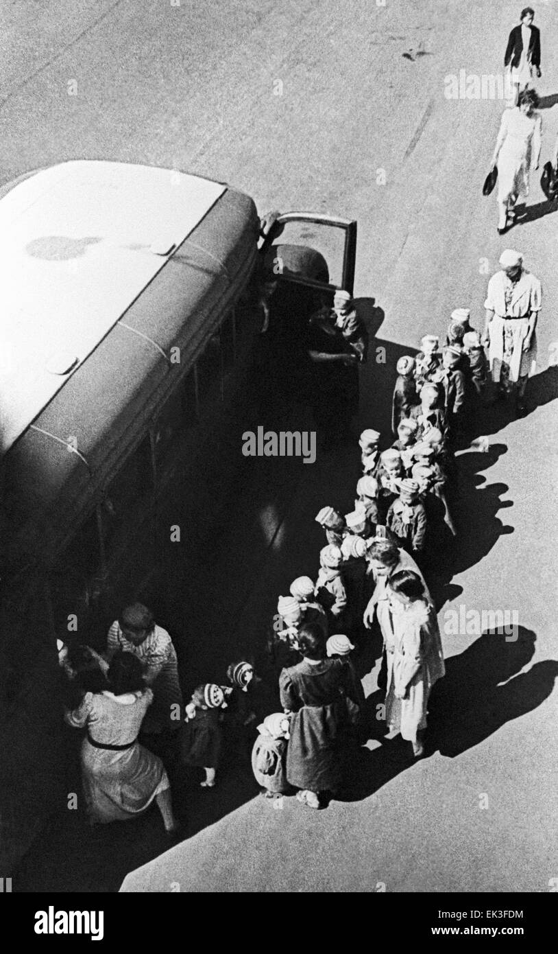 Leningrad. USSR. Children from a Leningrad orphanage evacuated during the siege of Leningrad. - Stock Image