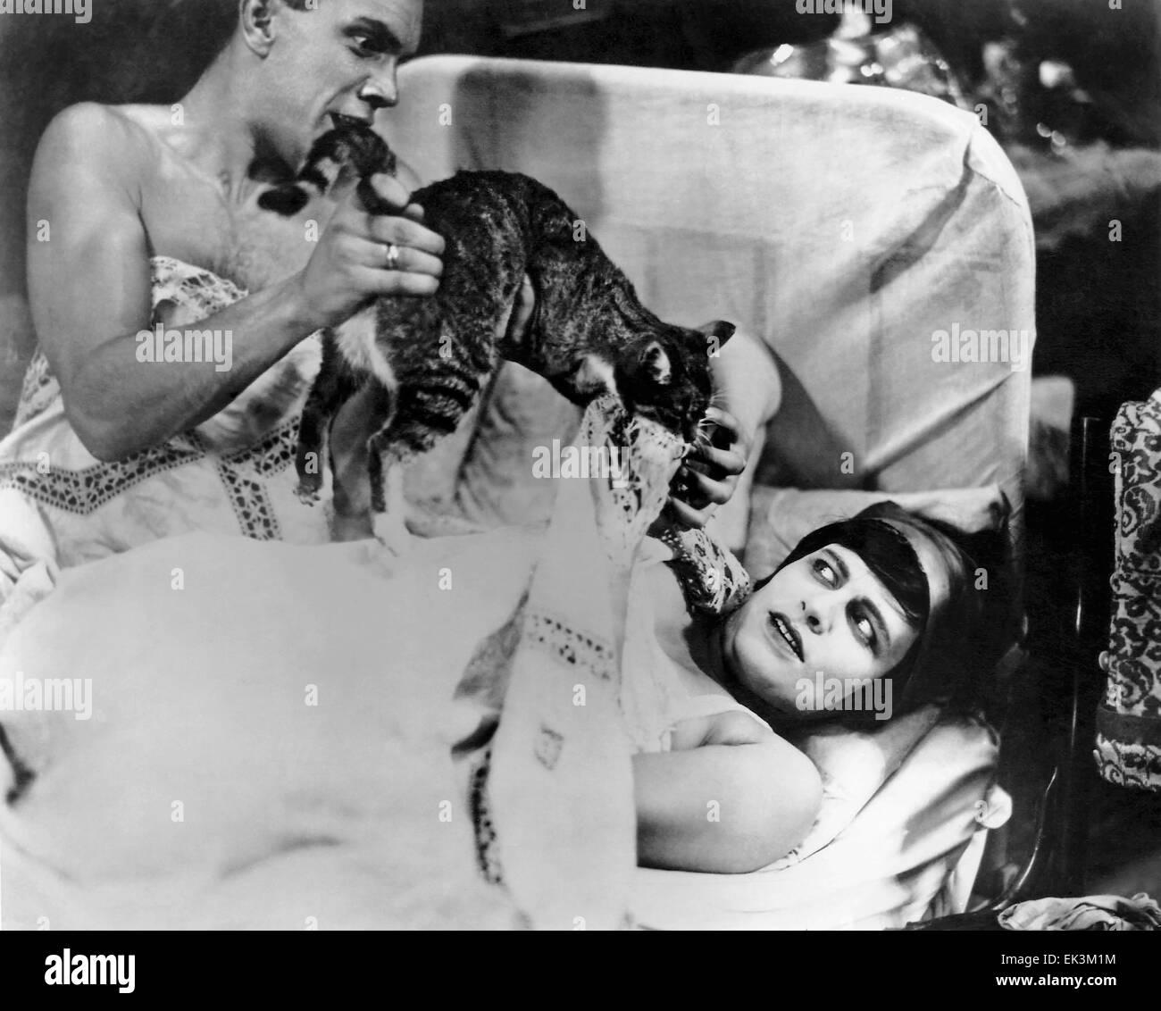 Nikolai Batalov, Lyudmila Semyonova, on-set of the Silent Film 'Bed and Sofa' (aka Tretya Meshchanskaya), - Stock Image