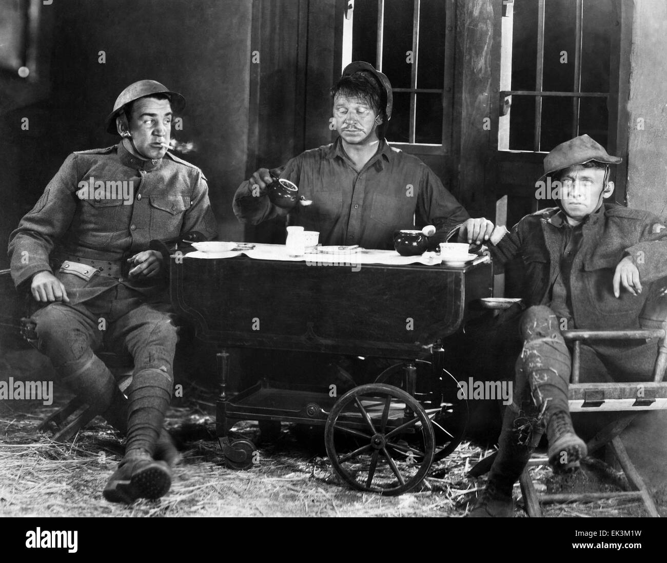 Tom Kennedy, Wallace Beery, Raymond Hatton, on-set of the Silent Film 'Behind the Front', 1926 - Stock Image