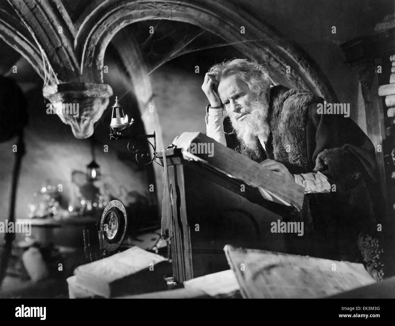 Gino Mattera, on-set of the Film 'Faust and the Devil' (aka La Leggenda di Faust', 1950 - Stock Image