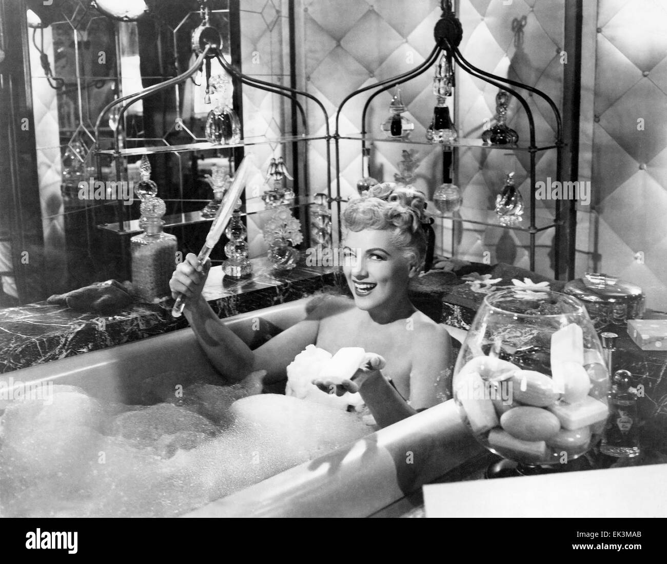 Judy Holliday nude (98 photo), Ass, Bikini, Boobs, butt 2015