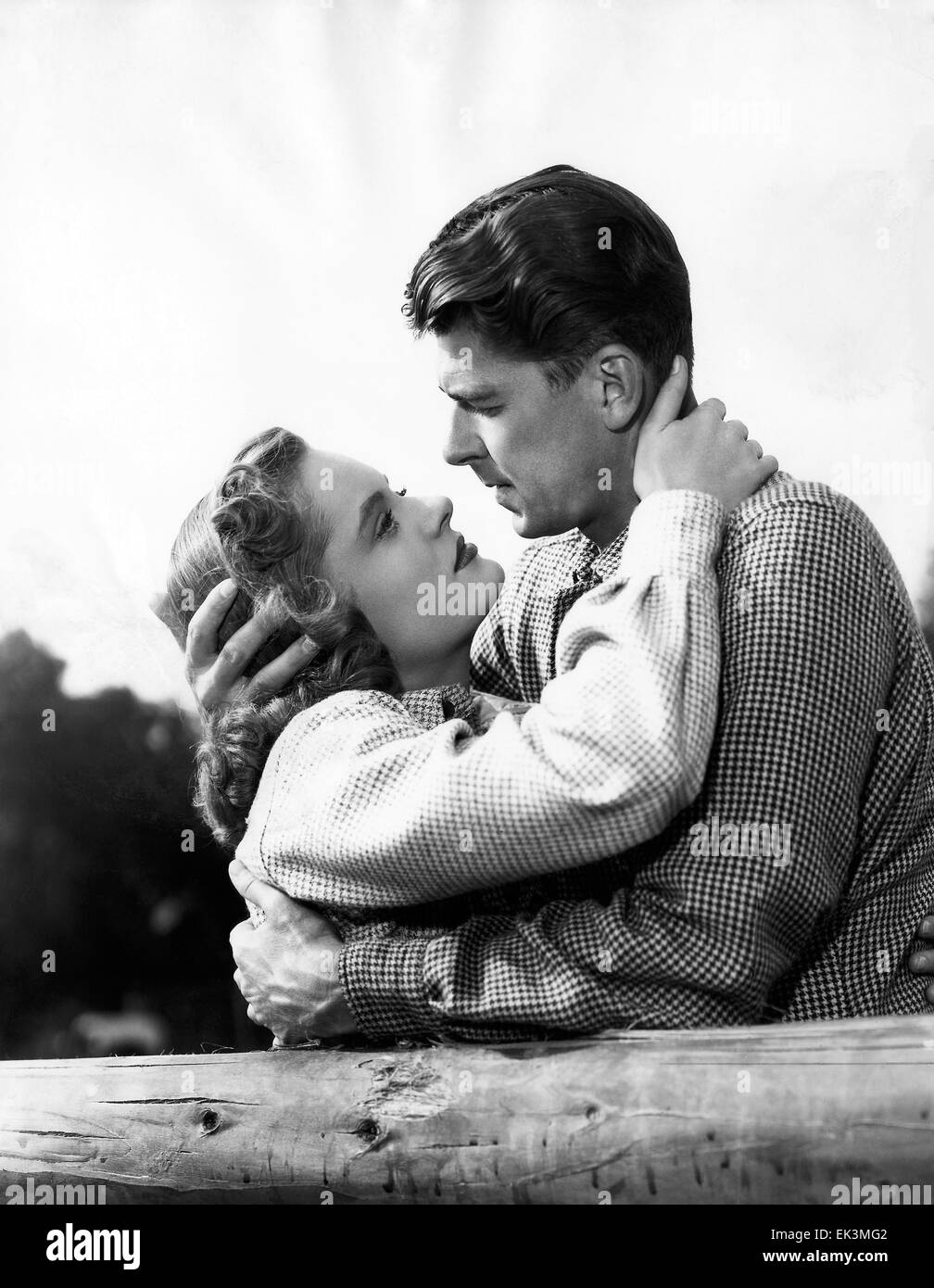 Alexis Smith, Ronald Reagan, on-set of the Film 'Stallion Road', 1947 - Stock Image