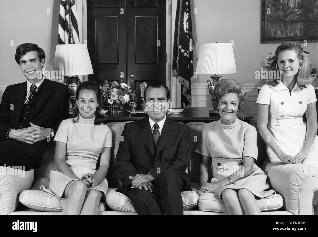 U.S. President Richard Nixon (center) with son-in-law David Eisenhower Julie Nixon Eisenhower Pat Nixon Tricia Nixon - Stock Image
