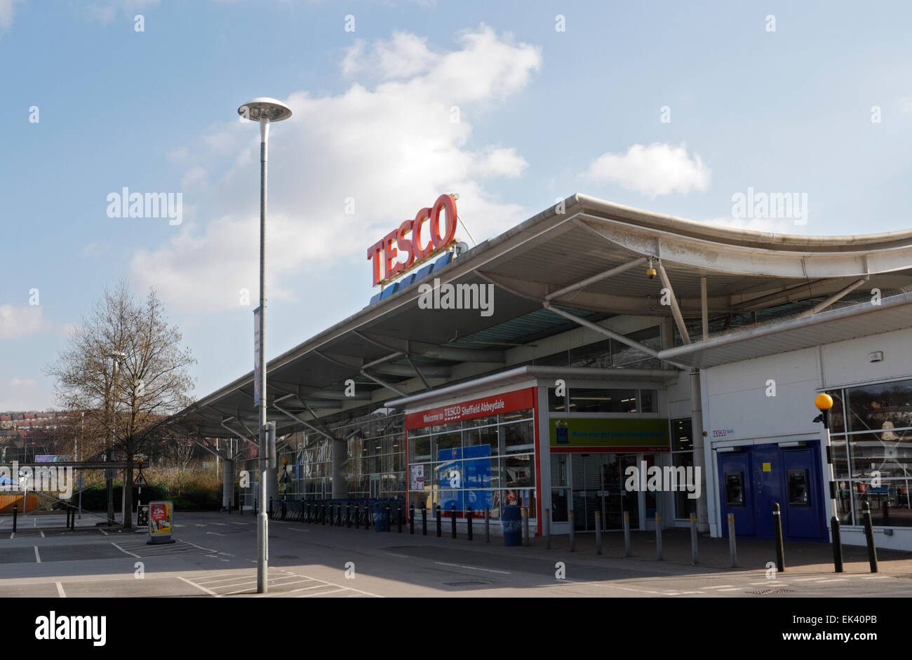 Tesco superstore in Abbeydale Sheffield - Stock Image